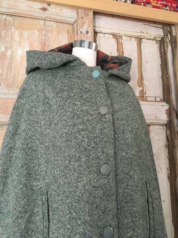 Tweed cape with hood - Handmade - Slow fashion