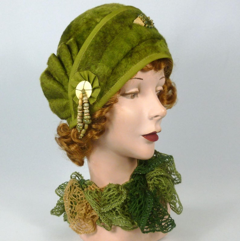 Hand Made Natural Stone /& Wood Accents Shades of Green and Brown Vintage Hood Patterned Fur Felt Cloche Hat Side Pleat