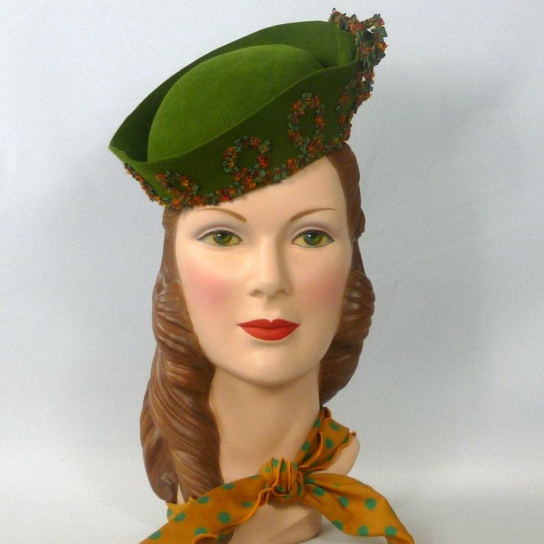 6d95984e17b05 Green Fur Felt Fascinator Hat Vintage Italian Hood Hand