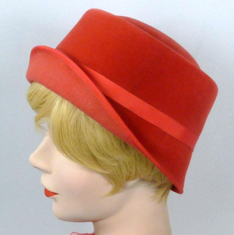 Mother of the Bride Church Coral Felt Cloche Hat Ribbon Work Hand Blocked and Hand Sewn Vintage French hood luncheon Wedding