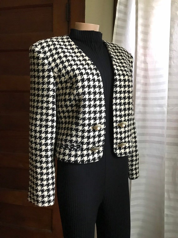 1990's Chanel-style Wool Boucle Cropped Jacket sz… - image 6
