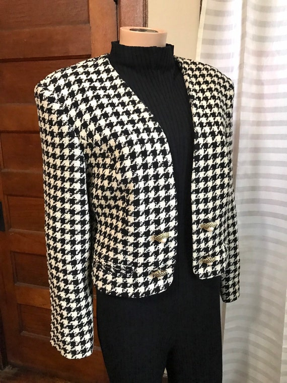 1990's Chanel-style Wool Boucle Cropped Jacket sz… - image 3