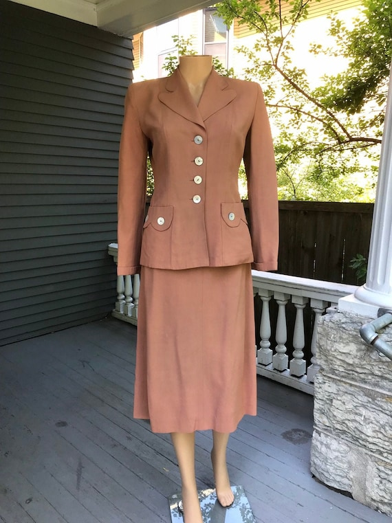 "1940's Warm Peach Cold Rayon Skirt Suit 25"" W"