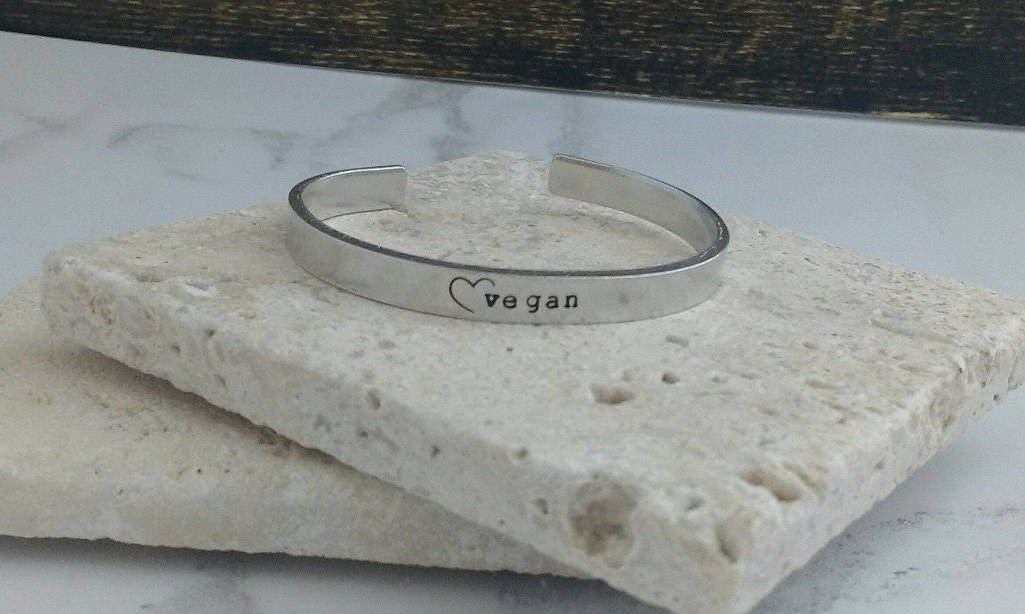 Vegan heart bracelet - adjustable - handstamped - aluminium, copper, brass or sterling silver