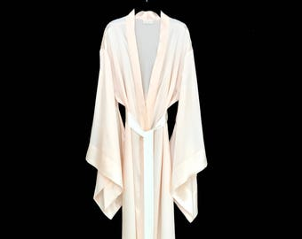 8a6bacd904 Pure silk robe