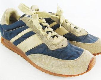 f5d2b2e460fe Rare True Vintage Pro Keds Running Gum Sole Jogging Sneakers - Size 8
