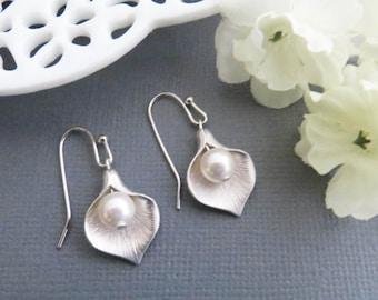 Flower Earrings, Calla Earrings, Mom Earrings, Dangle Earrings, Mothers Day, Birthday Gift, Earrings for Mom, Gift for Wife, Grandma Gift