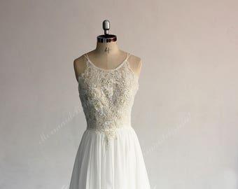 a5b62ffe930 Flowy Aline Boho Lace Wedding Dress