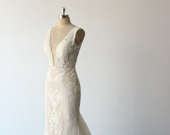 Exquisite fit and flare 3D tulle lace wedding dress, formal wedding gown with deep V neckline and champagne/tan lining
