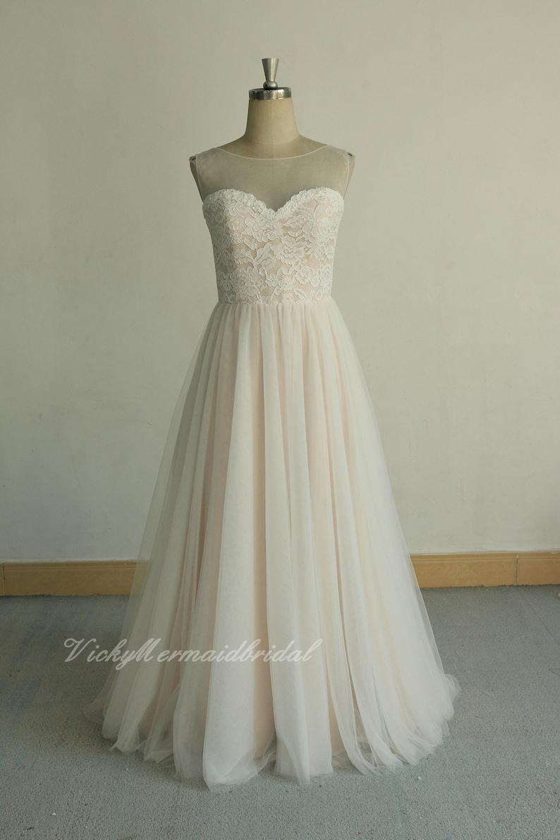 7e8e1fcf2f32 Wedding dress aline tulle lace wedding dress flowy boheniam | Etsy
