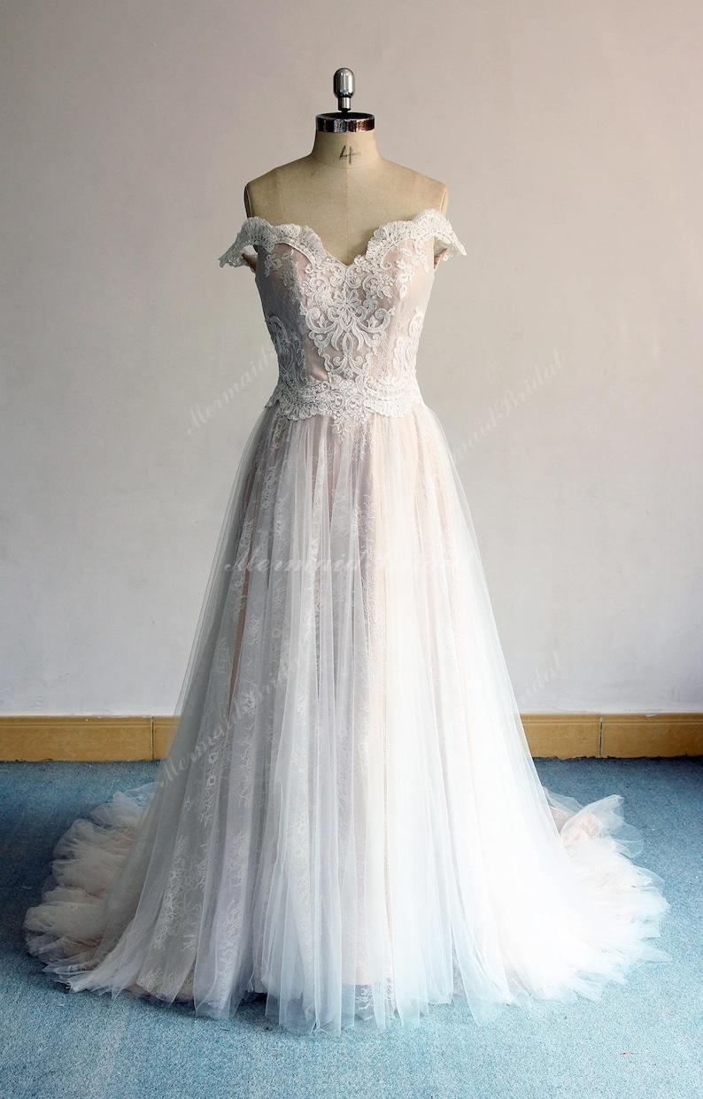 606af03e2dc1 Elegant Off the Shoulder Tulle Lace wedding dress Aline