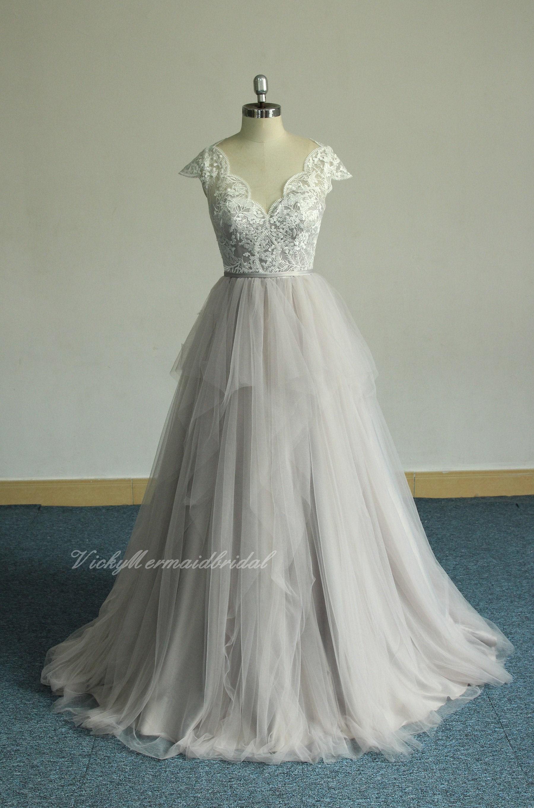 Romantic Bohemian Wedding Dresses.Romantic Bohemian Wedding Dress Scallop Neckline Outdoor Wedding Dress Gray Weddin Dress With Ruffled Skirt