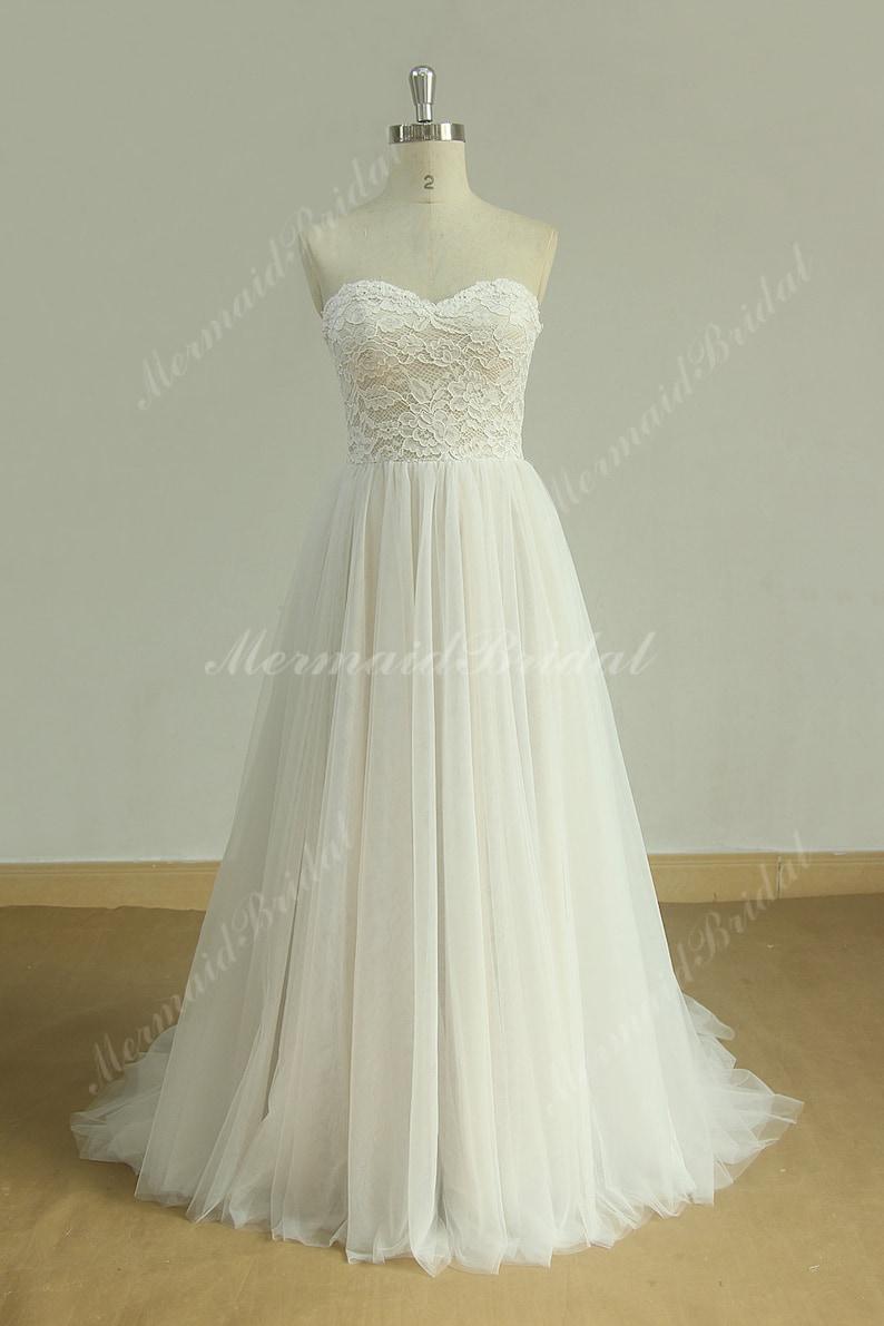 4456a80eb92d Flowy Aline Tulle Lace Beach Wedding dress destination | Etsy