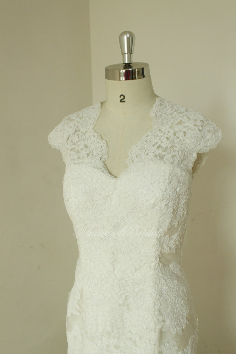 Fit and flare sleeves Vintage lace Wedding dress with ...