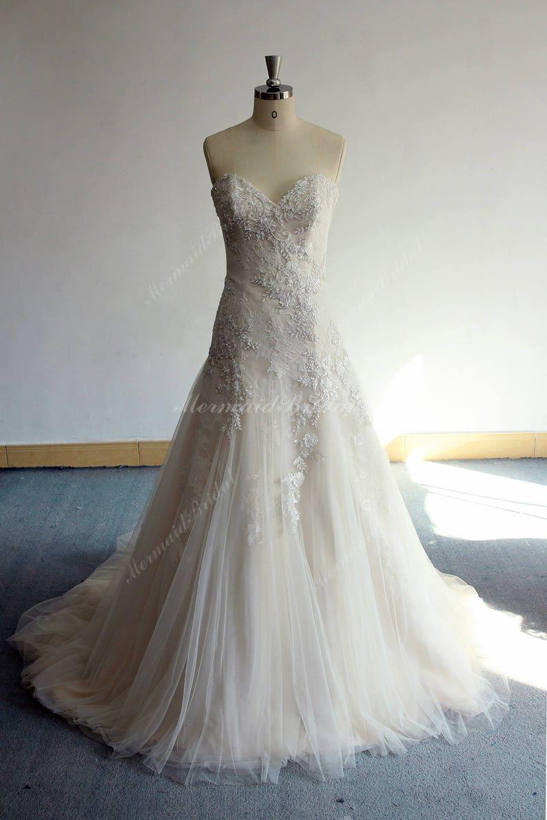336005ba529d Romantic Vintage tulle lace wedding dress Trumpet lace | Etsy