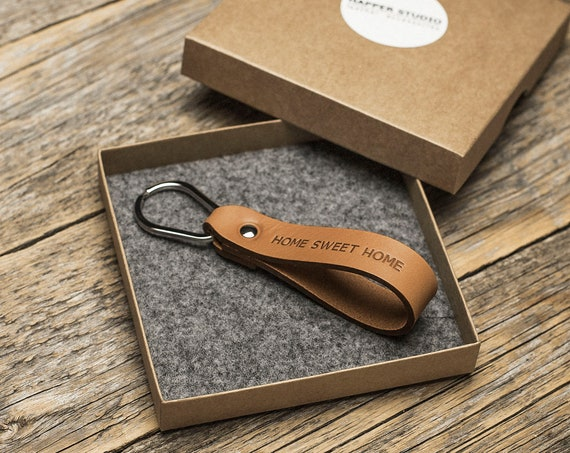 Personalized brown leather key chain custom drop shape ring monogrammed key chain boyfriend fob holder clip keying loop engraved gift