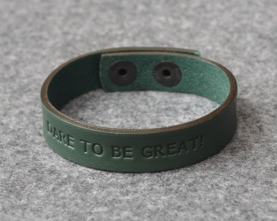 Italian green leather personalized bracelet, vegetable tanned, engrave phrase, initials or word