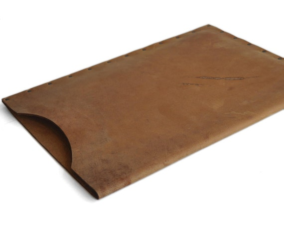 "Scratched Leather Case Sleeve for Macbook 12"" PERSONALIZED. Tan Brown Color Vintage Look Bag With Rivets."