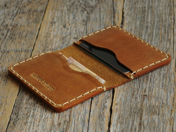 PERSONALIZED Tan Brown Leather Wallet. Credit Card Holder. Pockets for Cash or ID. Rustic Style Unisex Pouch