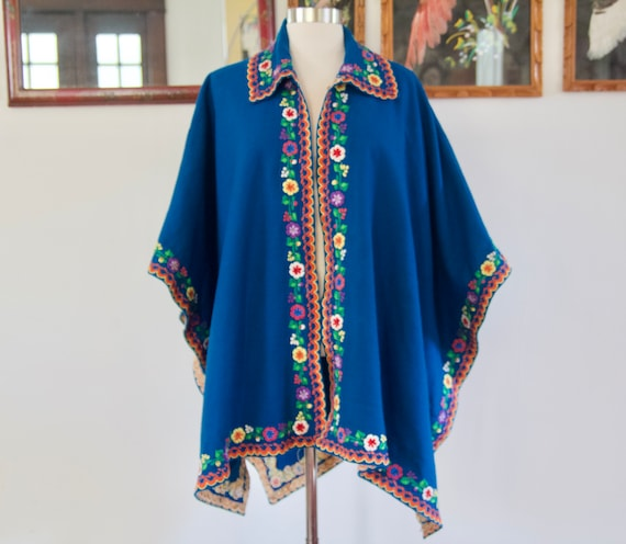 Vintage 60s 70s Blue Mexican Wool Rainbow Floral E