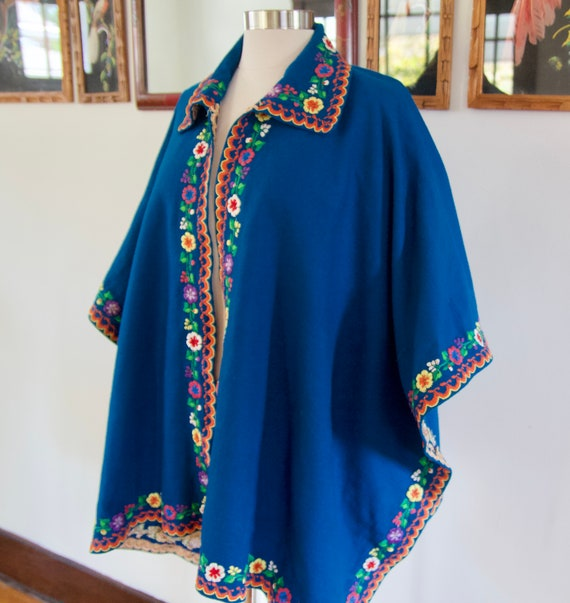 Vintage 60s 70s Blue Mexican Wool Rainbow Floral … - image 4