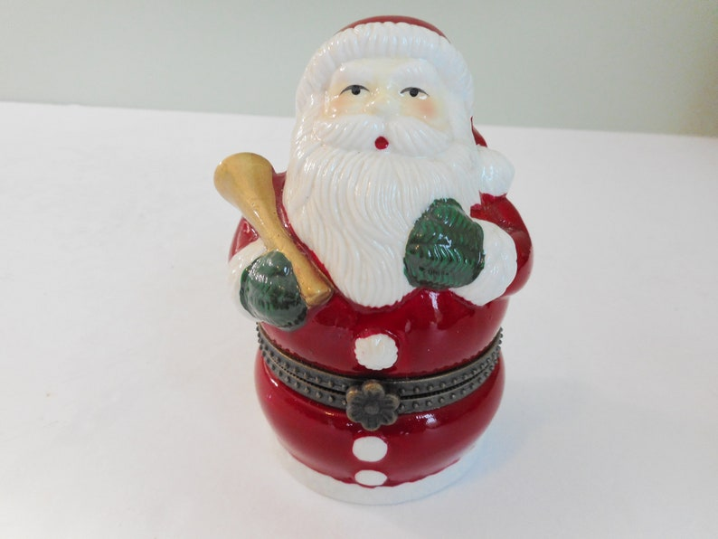 Mr Christmas Santa Music Box Plays We Wish You A Merry Christmas