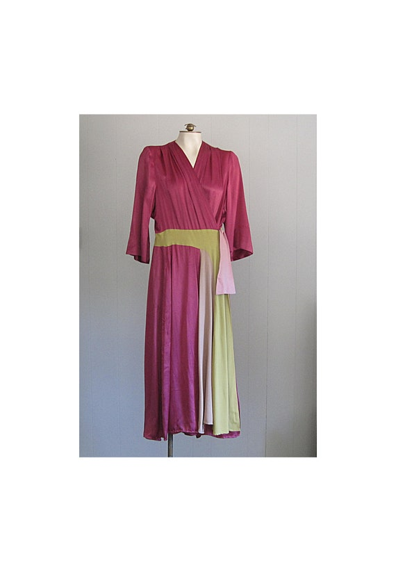 Vintage 1940s Rayon Satin Dressing Gown / Saybury