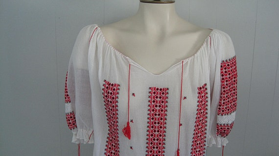 Vintage Romanian Peasant Blouse / White Red and B… - image 2