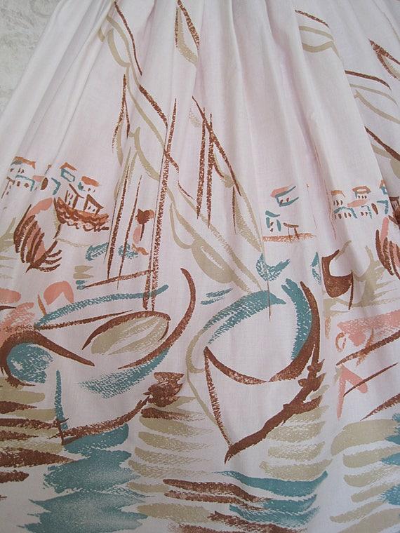 Vintage Novelty Print Skirt / Full 1950s Cotton N… - image 5