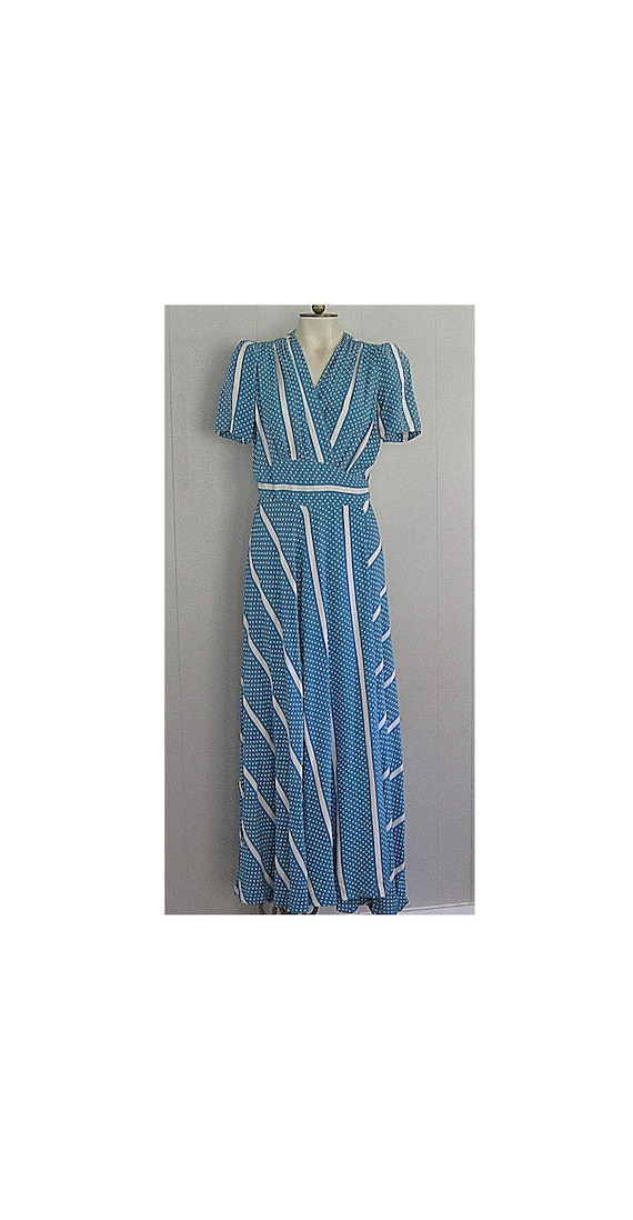 1940s Saybury Rayon Dressing Gown / Blue and White