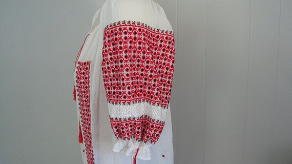 Vintage Romanian Peasant Blouse / White Red and B… - image 4