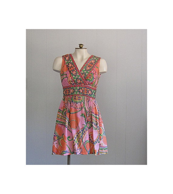 Vintage 1960s Paisley Mini Dress / Psychedellic Fl