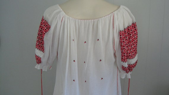 Vintage Romanian Peasant Blouse / White Red and B… - image 7