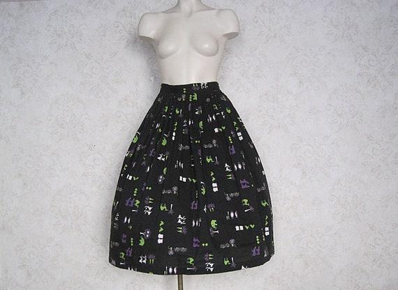 1950s Vintage Cotton Novelty Skirt / Animal Print