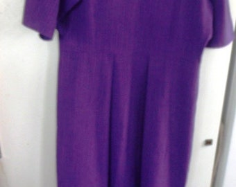 AUTHENTIC  NEW, Handmade by Amish, AMISH Ladies Purple  Dress  42 Bust,  34 Waist,   53  Length ,