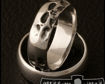 3febec5c4c740 Skull wedding band | Etsy