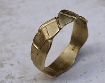 Gold wedding band Geometrical wedding ring Gold ring Texture wedding band Custom wedding ring Women's wedding band Unique Unusual Desigbed