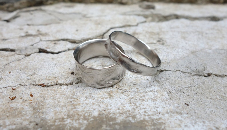 Wedding Band Set His and Hers Wedding Rings Promise Rings Gold Rings Unique Wedding Bands Gold Bands Fine Jewelry Steampank Brushed Unisex