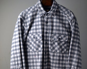 198413d6b6a39 Vtg. 80s 90s LLBEAN Gray White Large Scale Gingham Print Cotton Chamois  Size XL Tall 17 Long Sleeve Shirt Made in USA