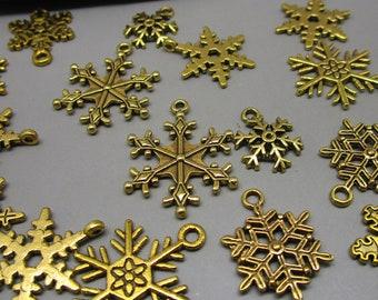 8 Snowflake Christmas charms bright gold tone GC371