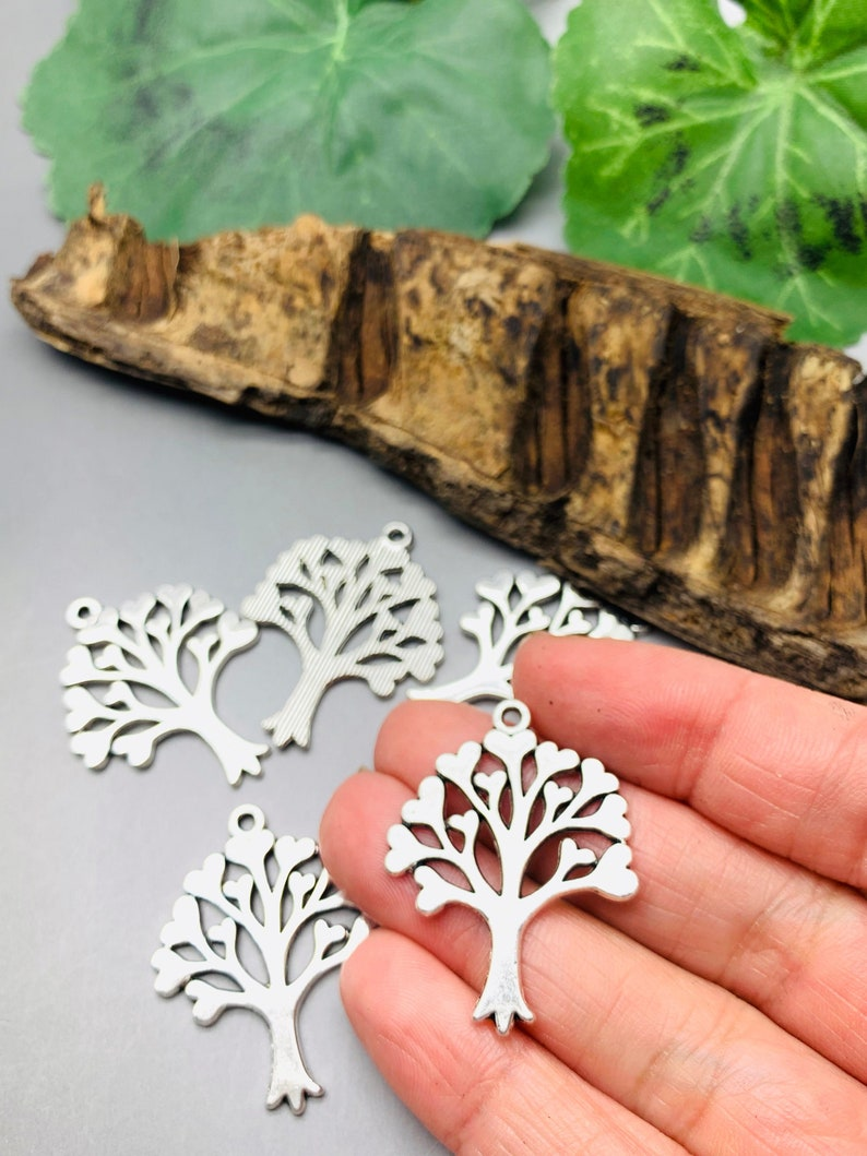 Tree Charms Antique Silver Tone   Family Theme   Choose your image 0