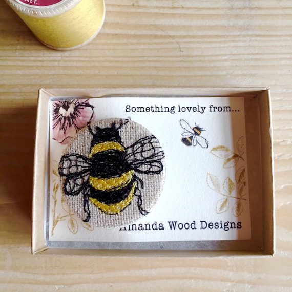 Bee badge- linen- stitched with gift box