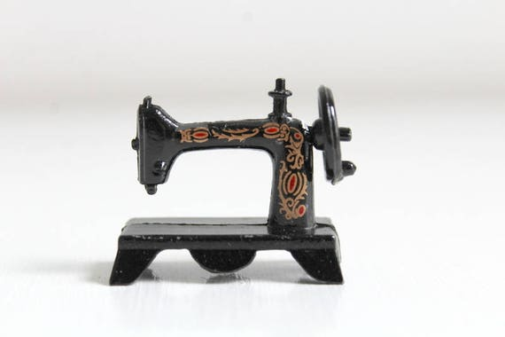 Miniature Sewing Machine Dollhouse Sewing Machine Singer Etsy Beauteous Miniature Singer Sewing Machine