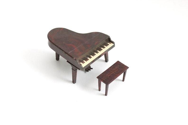 Renwal Plastic Dollhouse Piano Dollhouse Piano Miniature image 0