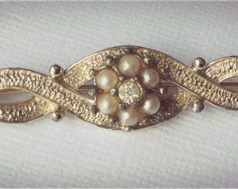Signed Emmons Brooch with Pearl and Rhinestone