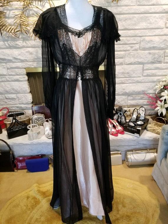 Vintage 1940s peignoir lingerie set never worn dea