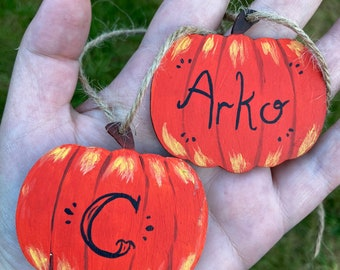 Personalised Hand Painted Wooden Pumpkin Hanging Ornament - Unique Pumpkins with names - Perfect for Halloween Decor and Spooky Christmas