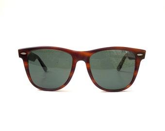 6bffc1426 Vintage 1980s 'Ray-Ban' tortoiseshell Wayfarer II sunglasses with dark  grey/green B&L glass lenses