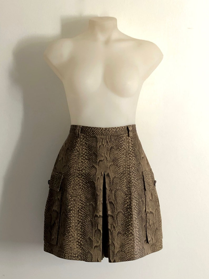 68d2fca6 VERSACE!!! Vintage 1990s 'Gianni Versace' high waisted reptile print cotton  safari skort / Made in Italy