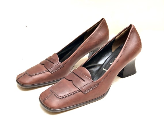 PRADA!!! Vintage 1990s 'Prada' brown leather, squa